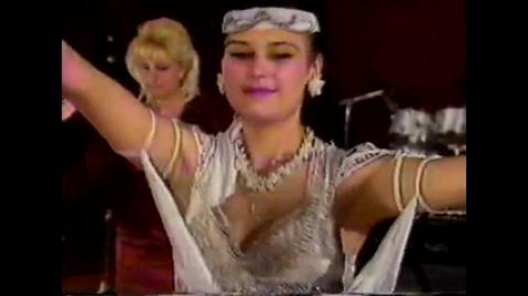 Тони Дачева & Орк. Кристал - Аз съм весела и пея